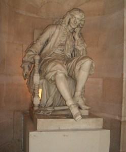 Escultura de Molière en una de las puertas de la Comedie Française.